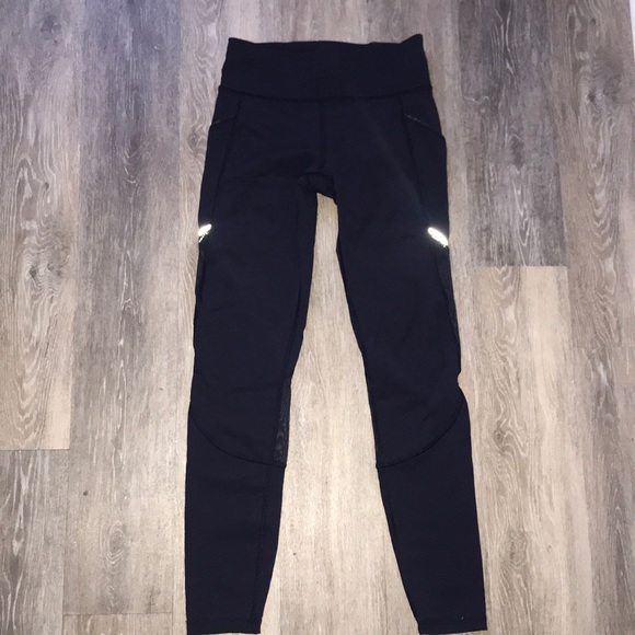 fc5115e84c3ad7 lululemon athletica Pants - LULU LEMON NAVY 7/8 LEGGINGS WITH MESH CUT OUTS